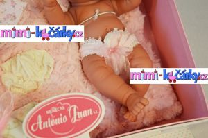 panenka na hraní  Antonio Juan Pitus holčička s polštářem